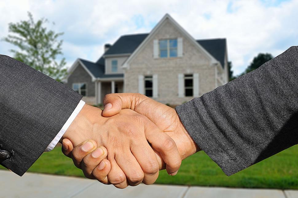 Der Erwerb einer Immobilie bringt nicht nur Pflichten mit sich. Hauseigentümer haben auch einige Vorteile gegenüber Mietern. - Foto: Pixabay.com © geralt (Pixabay License)