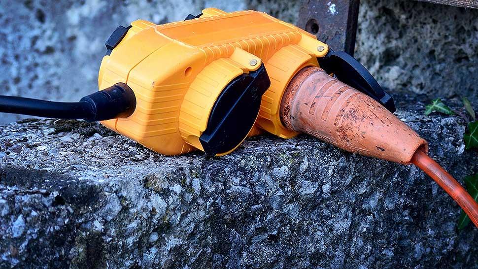 Von der Betriebsspannung bis zum Preis gibt es beim Kauf eines Schweißgeräts einiges zu beachten. Foto: Manfred Antranias Zimmer / pixabay