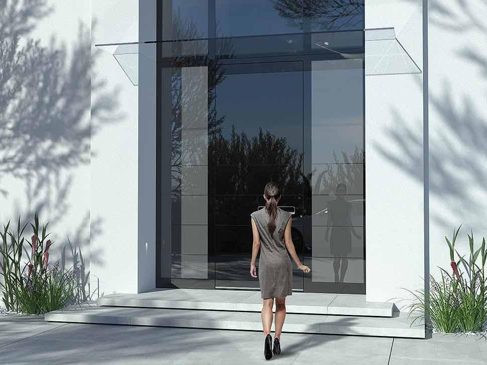 Liebe auf den ersten Blick: Extra große Haustüren machen einiges her. Foto: PIRNAR